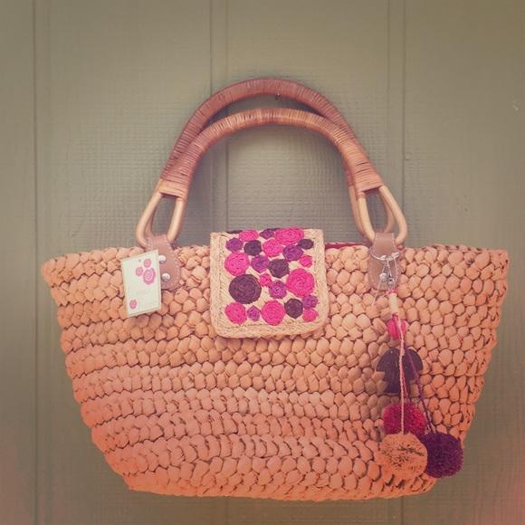 ebcd04fa154a4d emma rose Bags | Nwt Rosebud Straw Beach Tote Bag | Poshmark
